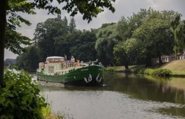european-barging-river-cruises-france-2015-johanna-bruges