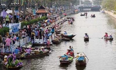 Bangkok Floating Market Welcomes Tourists