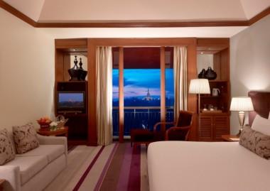 Hotel-Yangon-Myanmar-Hote-Chatrium-Hotel-Royal-Lake-Yangon