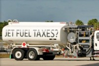 Airlines Fuel Surcharges Continue Despite Oil Price Plunge