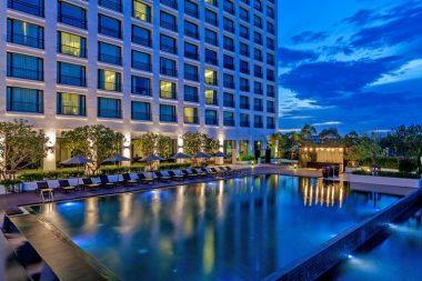 centara-hotel-convention-centre-khon-kaen-swimming-pool-5