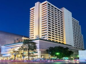 Arnoma Grand Bangkok Hired Students of Prestigious Hotel Management School