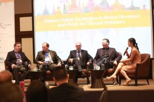 Engaged Senior Hoteliers on Innovation at Hotel Management Thailand Summit