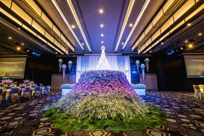 Luxury wedding fair at jw marriott hotel bangkok on oct 1 bangkok thailand september 21 2017 travelindex collaborating with luxurious brands jw marriott hotel bangkok is hosting a wedding fair filled with junglespirit Choice Image