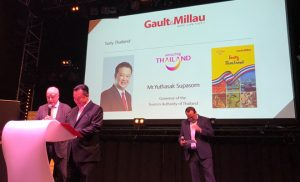 Bilingual Tasty Thailand Guidebook by Gault & Millau