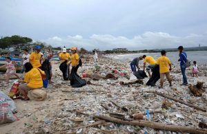 Indonesian Government Announces Steps to Tackle Plastic Pollution