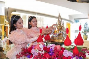 Splendid Songkran Festival 2019 at Iconsiam