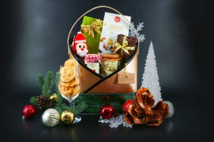 Bring Christmas Home With Festive Hampers from Anantara Siam Bangkok