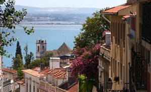 Turismo de Portugal Certifies Establishments with Clean & Safe Stamp