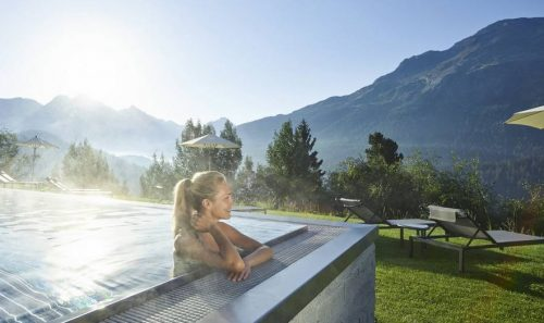 Golf in the Wide, Open Spaces of Switzerland's Engadine Valley - TRAVELINDEX